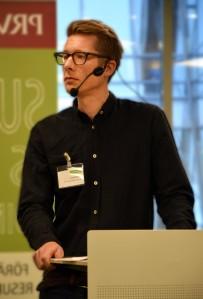 PRV:s moderator Henrik Eriksson guidade galant genom förmiddagen
